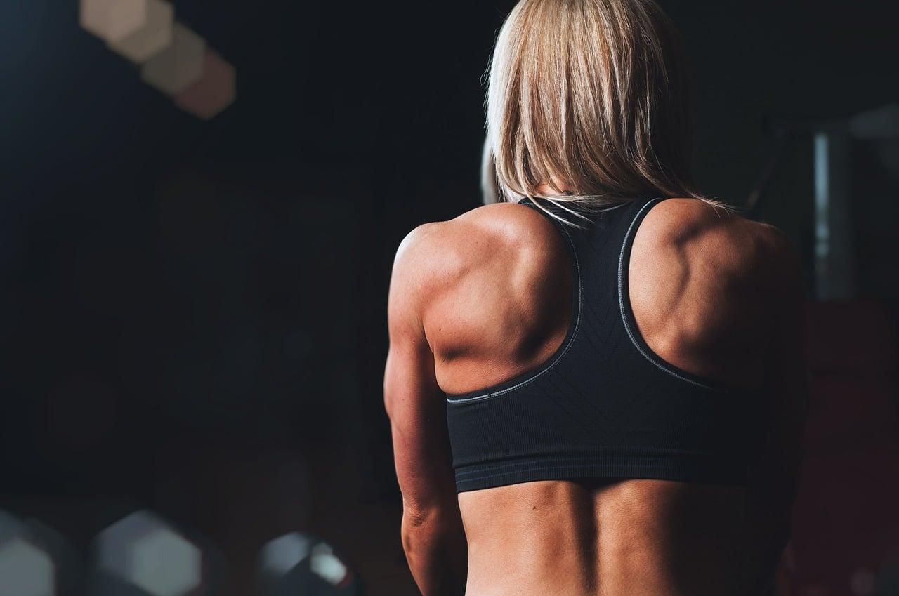 Latissimus-Dorsi-Übungen-Stretches-Verletzungsrisiken-für-Ihre-Lats