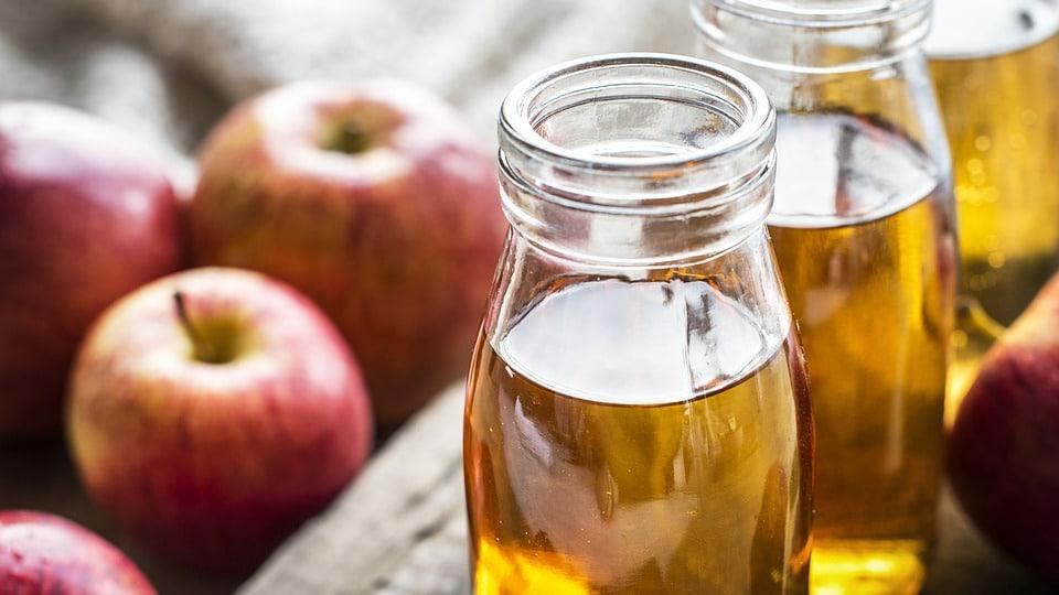 Anwendungen von Apfelessig und Vorteile für die Gesundheit