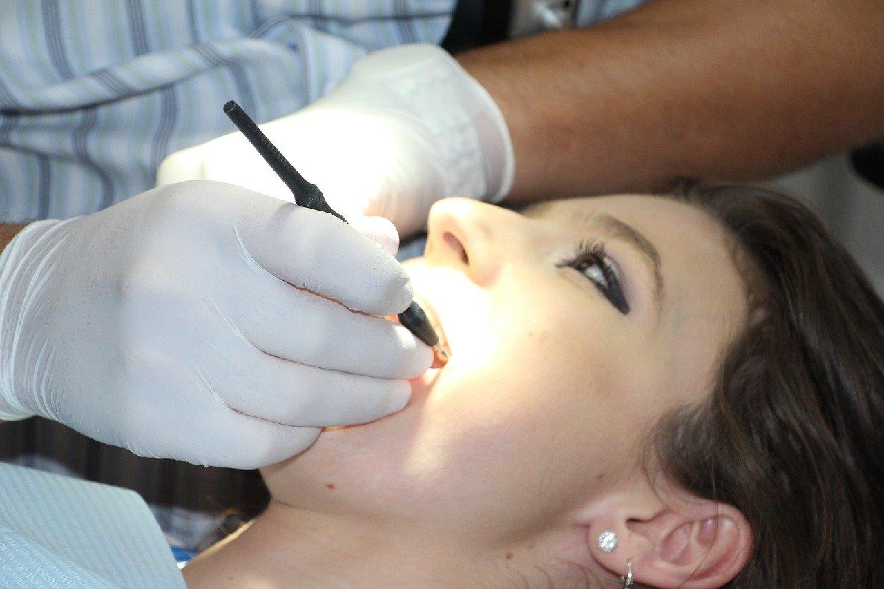 Schmerzen nach einem Zahnarztbesuch: Was ist normal und was nicht