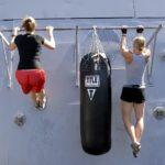 Wie man Klimmzüge macht und 4 Vorteile dieser Übung