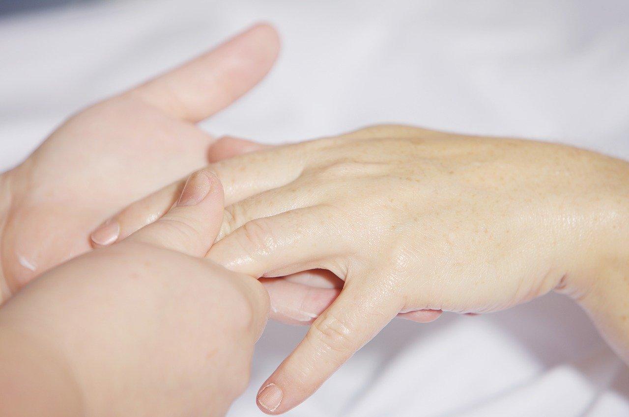 Triggerfinger - Symptome, Ursachen und Behandlung