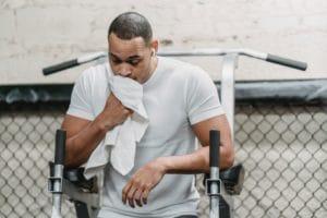 Wie sich eine schlechte Mundgesundheit auf Sportler auswirkt
