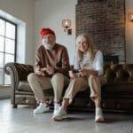 Heilkunde für Senioren: CBD gegen Altersbeschwerden